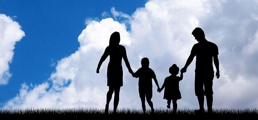 父親の暴力、家庭崩壊…幼少時の心の傷を癒した、幸福の科学の信仰【幸福の科学 信者体験記】
