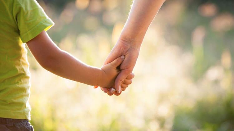 子供は「一人の独立した魂」――チック症状のあった息子が、明るく自立した!【体験談】