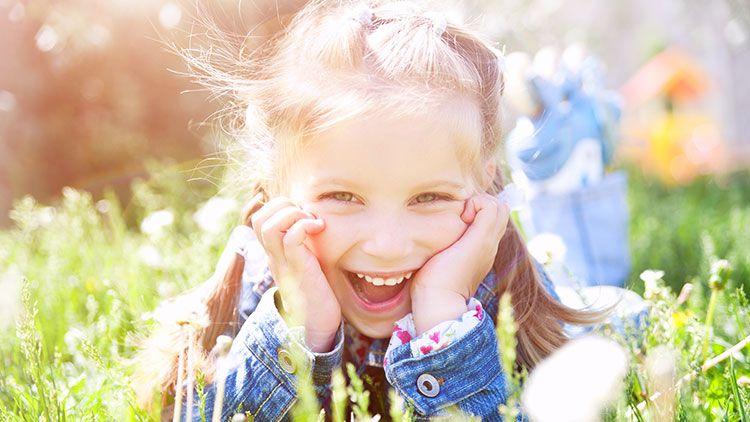 笑顔には幸福を引き寄せる効果がある。大川総裁の言葉に学ぶ、笑顔の霊 ...