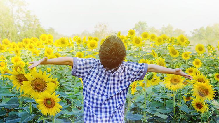 自閉症のわが子が笑顔で生きられるようになった【子育て体験談】